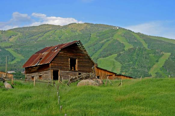 steamboat_barn_summer.jpg